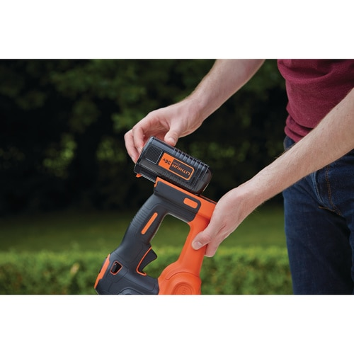 BLACK+DECKER - Taillehaies sans fil  55 cm  36 V  25 Ah  Ecartement  22 mm  Chargeur 1h50  Technologie antiblocage - GTC36552PC