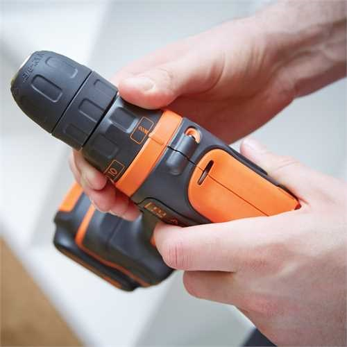 BLACK+DECKER - Perceuse visseuse compacte 108V  LITHIUM  2 batteries - BDCDD12B