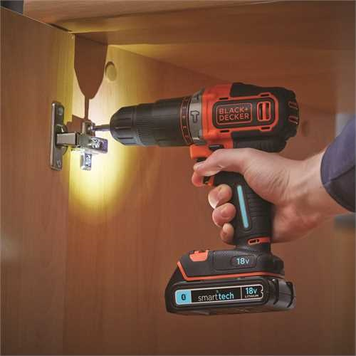 BLACK+DECKER - Perceuse  percussion sans fil 18V  LITHIUM SMART TECH  2 batteries 15Ah chargeur lent en coffret - BDCHD18KBST