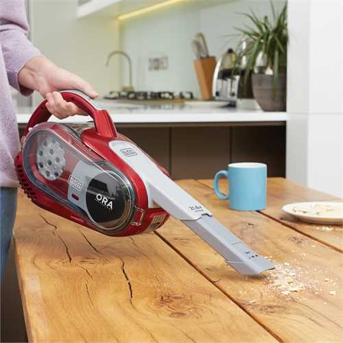 BLACK+DECKER - Aspirateur balai 216V avec extension de sol  Technologie ORA  rouge - HVFE2150LR